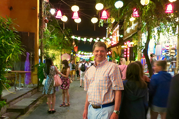 Walking the streets of Hoi An